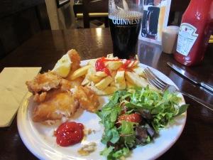Great food, beer & patrons at the Hollywood Inn